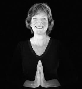yoga-teacher-lucy